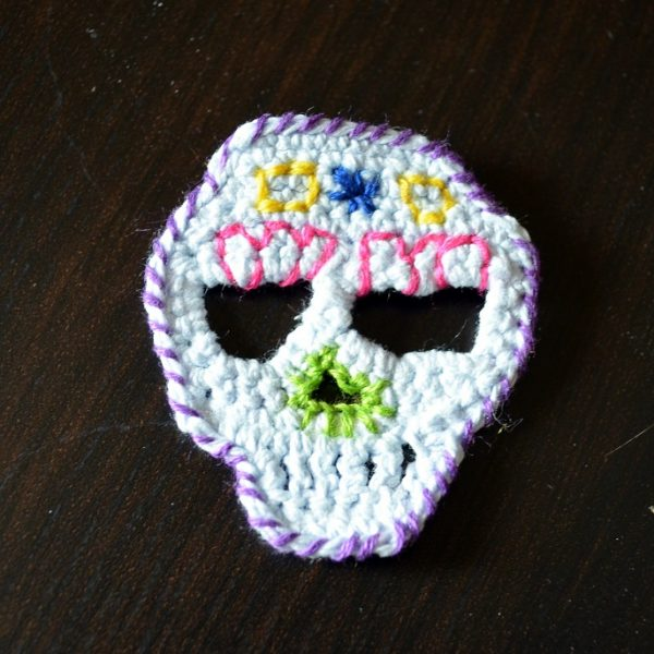 Skull Pin front - Pops de Milk