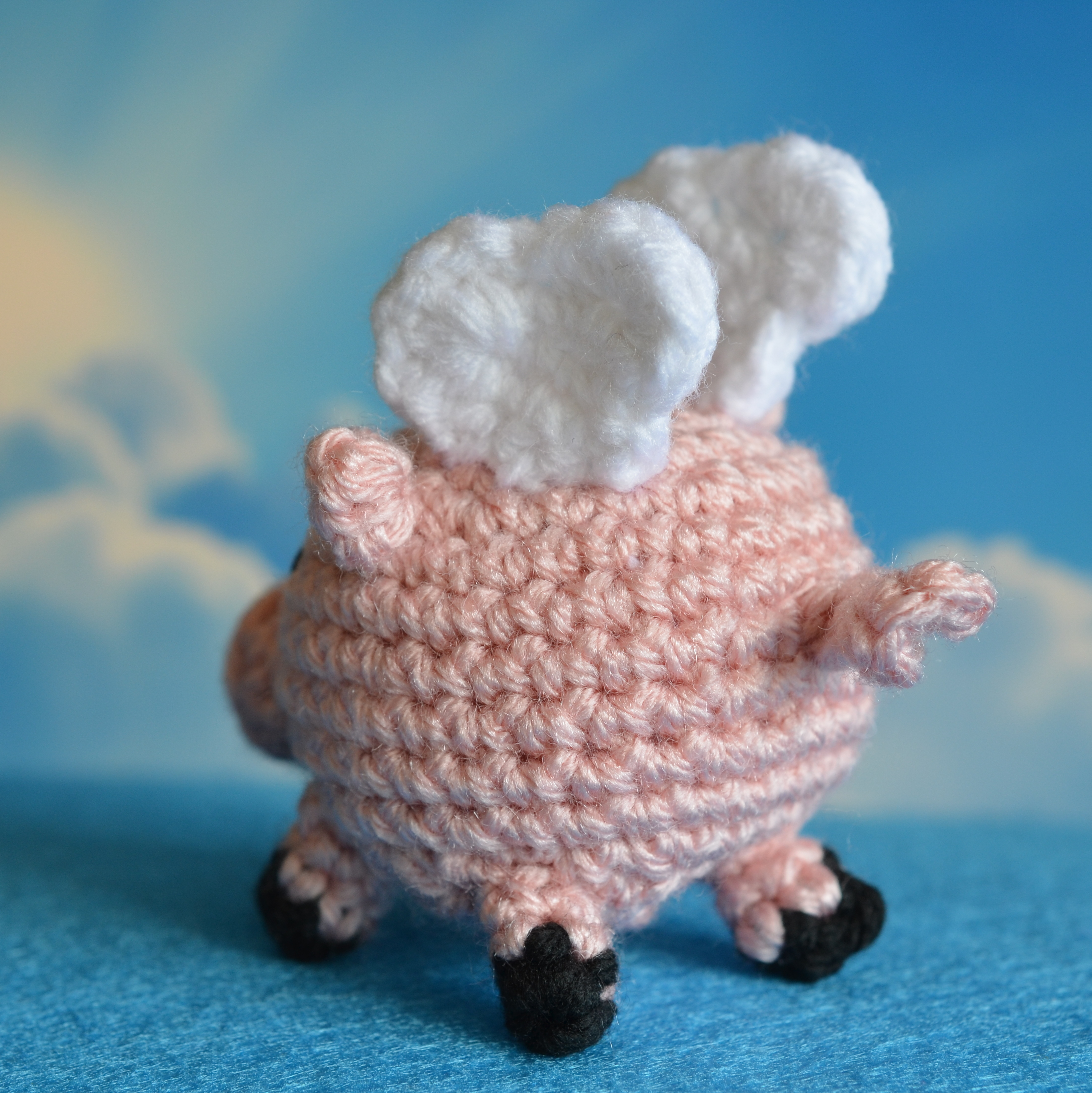 Flying Pig Crochet Pattern - Pops de Milk - Pops de Milk