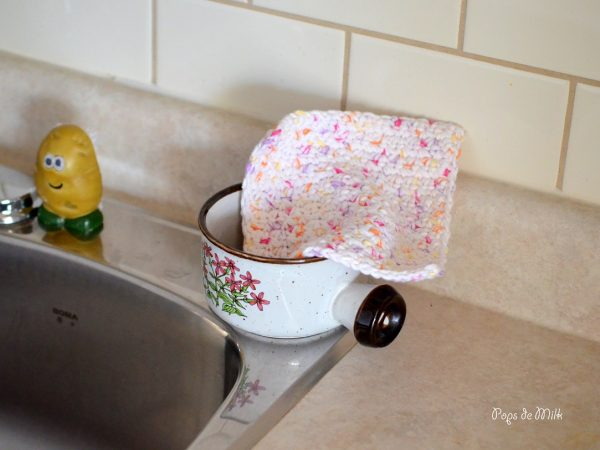 Dishcloth 8- Pops de Milk
