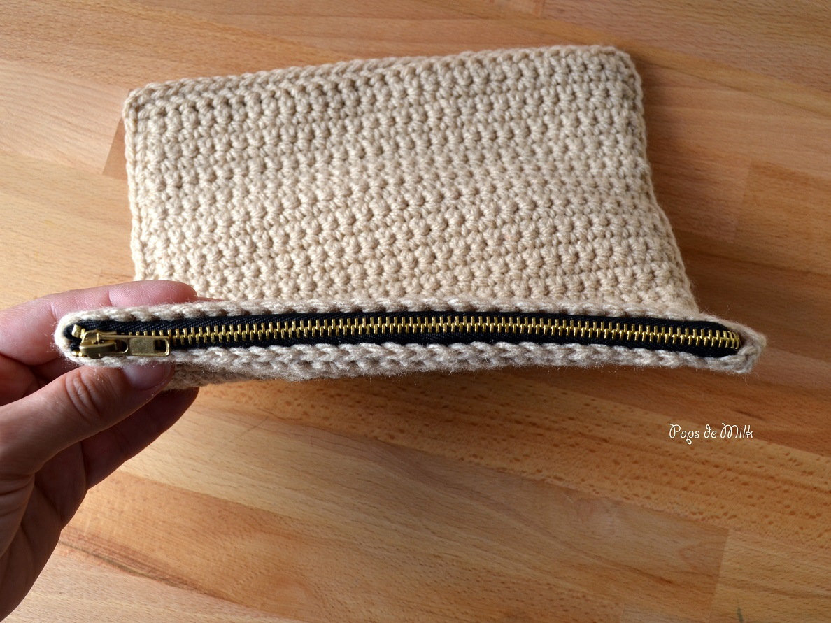 crochet-scrabble-pouch-zipped-pops-de-milk